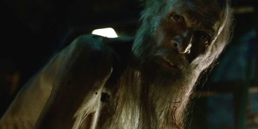 Un señor barbudo escuálido, seguramente Papá Noel en un día malo